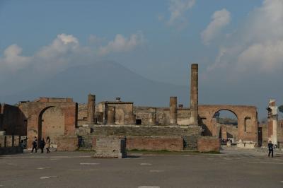 イタリア9日間の旅(1)成田を出発し、ナポリ、ポンペイ遺跡