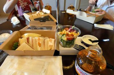 夏のエクシブ山中湖1泊 テイクアウト モーニングBOXの朝食 中国料理 翠陽の昼食
