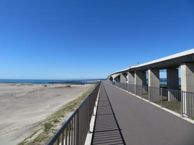 国内最大級の防潮堤の上を歩く! 遠州灘海岸ウオーキング