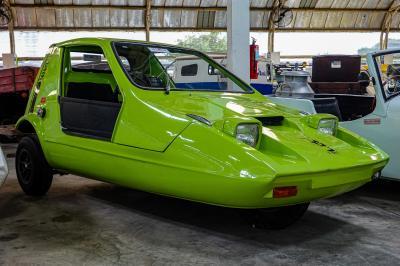バンコク郊外にある自動車博物館へ。ついでに蝋人形館