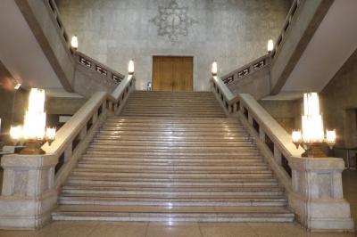 東博本館の階段-半沢でお馴染み