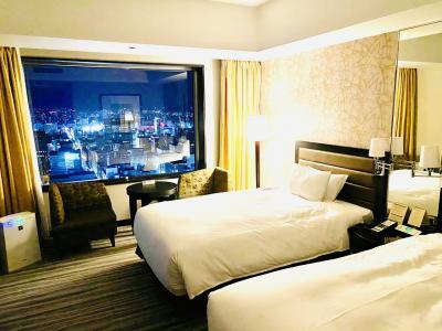 ずっと泊まってみたかった JRタワーホテル日航札幌 ポロクルと食べ歩き