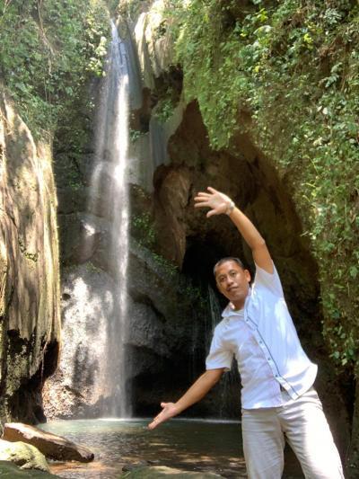 隠れ家の滝、タバナンにあるPengempu Waterfall