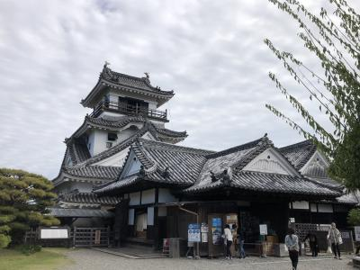 はりまや橋と高知城を歩いて満喫