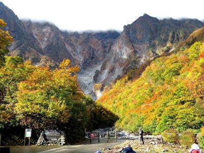 団塊夫婦の2020年日本紅葉巡りドライブー(関東2)紅葉も見頃・一ノ倉沢へトレッキング