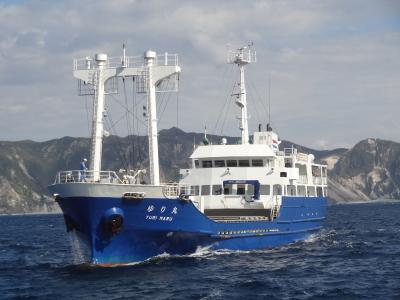 東京離島旅/神津島 ・その3.神出鬼没!幻の貨客船.伊豆諸島開発「ゆり丸」に乗ろう。