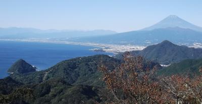 秋晴れの低山 伊豆の発端丈山-葛城山