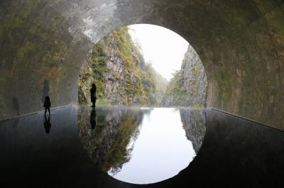 東北の名湯と紅葉巡りの旅 12/14(清津峡渓谷・西福寺観光)