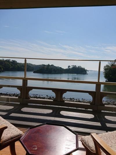 松庵~部屋の窓一面に広がる松島の光景