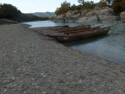 神流湖畔の温泉、神泉が休館だったので長瀞の岩畳を見に行く