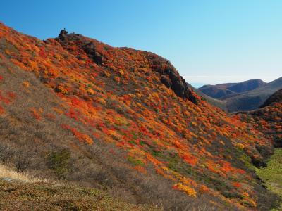 くじゅうの秋を満喫! その3錦に彩られた三俣山 無念の撤退から歓喜の紅葉お鉢巡り