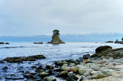 雨晴海岸の眺めを楽しんで・・・雨晴温泉「磯はなび」に泊まる