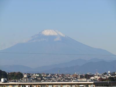 舞岡公園西尾根道から昼に見る富士山-2020年秋