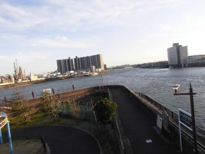 瑞江駅から一之江駅間を歩きました。