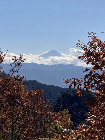 秋の紅葉真っ盛り 昇仙峡で絶景富士山