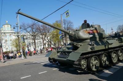 サンクトペテルブルク&モスクワ 3日目 ペテルゴフ宮殿観光後市内をぶらぶら