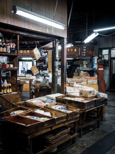 北九州ひとり旅01: 北九州の台所 旦過市場の昭和な一角にシビれる