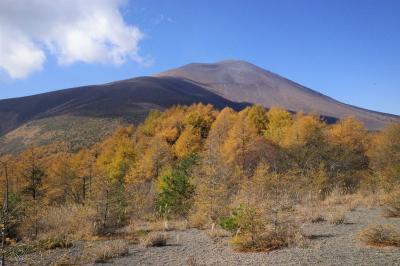 【軽井沢】小浅間山ハイキング 紅葉と火山風景