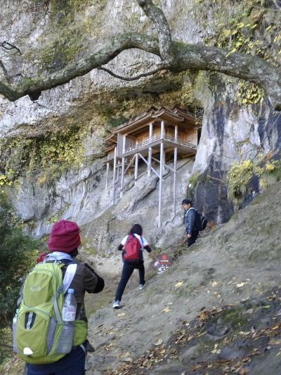 CRESSONで行く~修験道の山 三徳山三佛寺 投入堂(国宝)までの登山! 紅葉真っ盛り 邪気落とし出来たかな?
