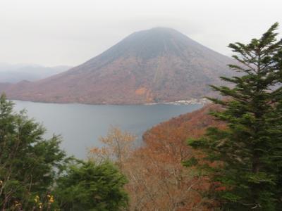 日光の半月山に登って中禅寺湖を眺めました