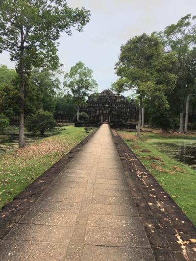 アンコールトムの中のバプーオン寺院のおすすめです。