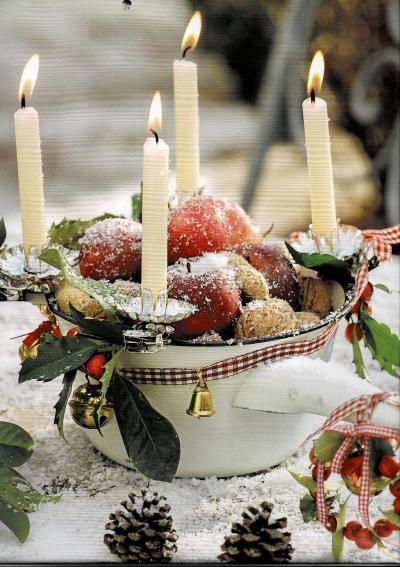クリスマスの御挨拶:クリスマスの飾りと楽しいクリスマスカード、そして美味なるもの。