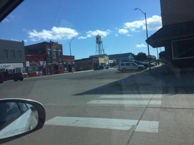 サウスダコタ州 アーリントン ー たくさんの牛と街並みを楽しみました。