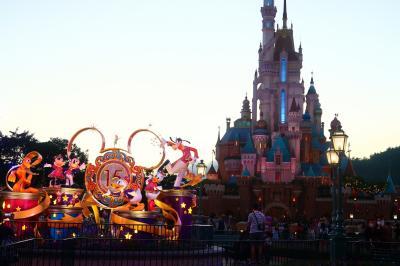 香港★香港ディズニーランド15周年記念 お城がリニューアルオープン!