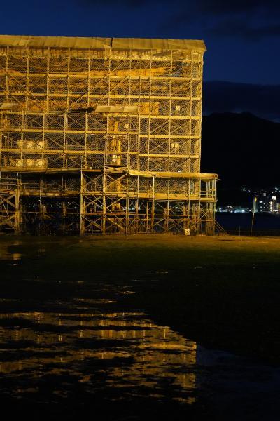 20201217-4 宮島 厳島神社の大鳥居、工事中のライトアップ