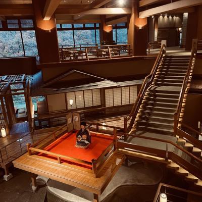 芦ノ牧温泉大川荘へ!噂の浮き舞台が美しすぎる!