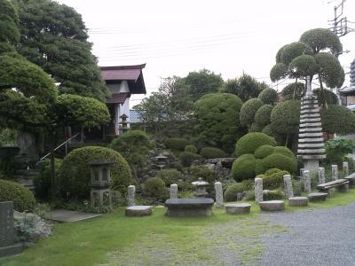 故郷青梅の菩提寺・宗建寺には義賊 裏宿七兵衛の墓がある。