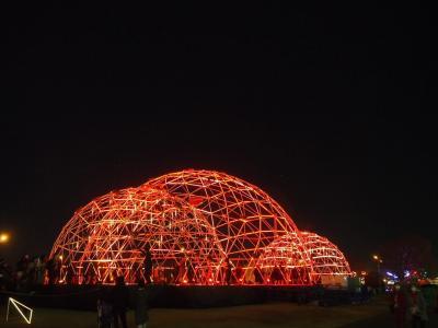 横浜ナイトウォーク。ヨルノヨと赤レンガ倉庫、星降るテラスに予約の取れない焼き鳥店に寄ってみた。