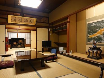 登録有形文化財第1号「会津東山温泉 向瀧」 はなれの間