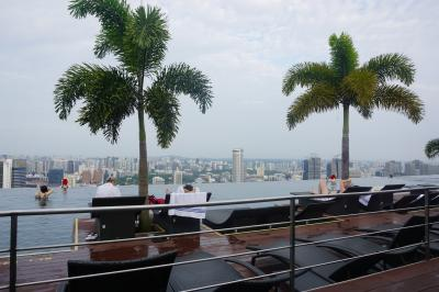 新婚旅行 春節のシンガポール6 マリーナベイサンズのプールで朝食&帰国