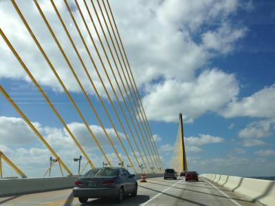 フロリダ州 セント ピーターズバーグ ー サンシャイン スカイウェイ橋