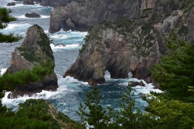 北山崎の絶景と北緯40度の黒崎2020~ほぼ垂直な断崖と奇岩怪石、海蝕洞の海岸美~(岩手)