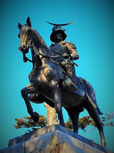 仙台13 仙台城跡b  伊達政宗騎馬像(小室達作/1996年復元) ☆土居晩翠像/荒城の月歌碑も