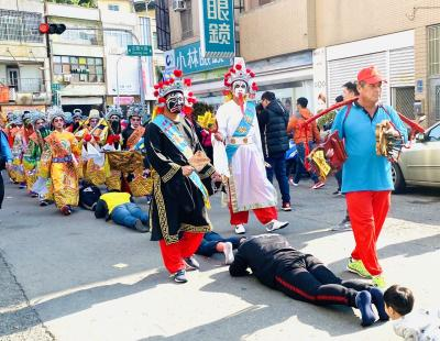 高雄左營の大規模な祭典(2)
