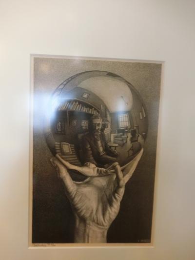 ゴールデンウィークに、オランダのチューリップと美術館巡り8日間②。エッシャー美術館行くぞ。1日目後半