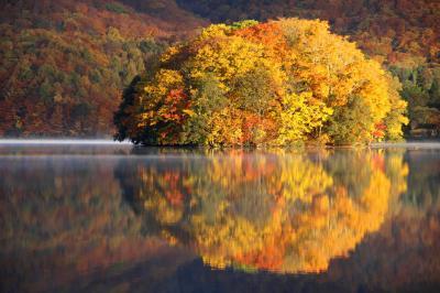 ◆錦秋の裏磐梯~有り明けの曽原湖百景