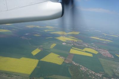チェコ10日間の旅(9)プラハ空港からLO528、ワルシャワ乗継LO079にて帰国