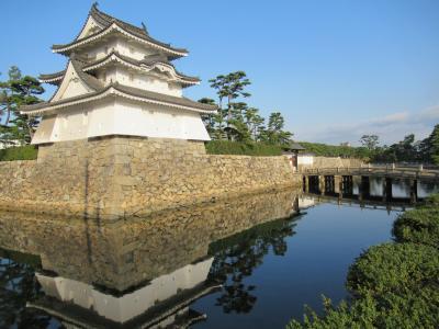 四国⑬ ホテル目の前の「玉藻公園」で高松城跡を散策し、お堀の「和船」に城舟して鯛に餌を遣る