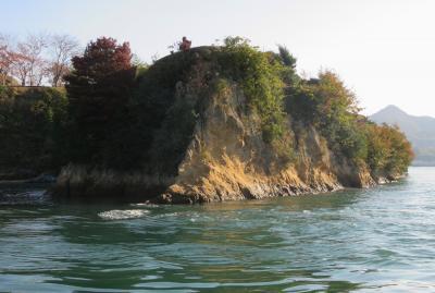 2020暮、四国続日本百名城巡り(20/22):12月6日(6):能島城(2):フェリーで能島へ、周回して眺めた能島城跡