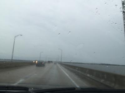 フロリダ州 ペンサコーラ ー ペンサコーラ ベイブリッジを渡ってガルフ ブリーズへ