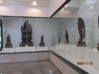 四国霊場最後の巡礼(49)屋島寺宝物館を見て、寺を後にする。