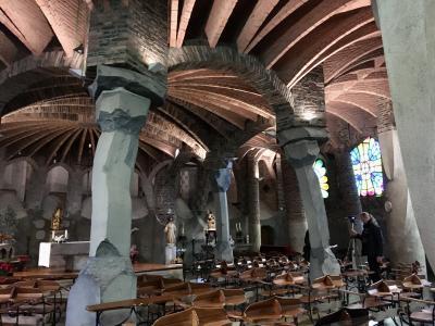 25年ぶり4回目のバルセロナ・ビフォーコロナの団体?旅3:コロニアグエル教会とグエル公園