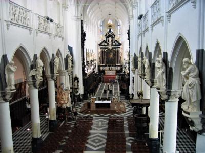 アントワープの聖パウルス教会でオルガン奏者と出会う(2007年)