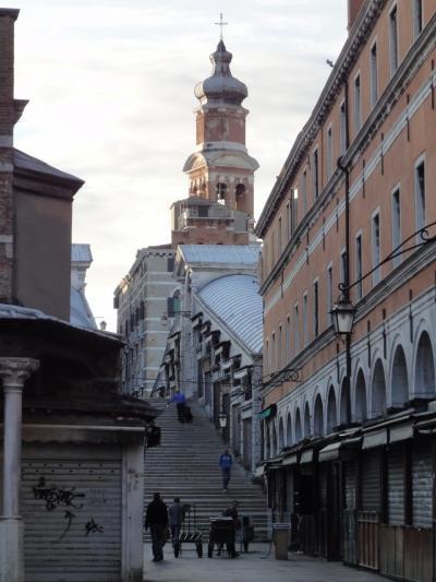 初めてのベネチア その12 (イタリア・スペイン・ポルトガル・オランダ 12日間の旅 その2-12)ちょっと東欧風、サン・バルトロメオ教会!