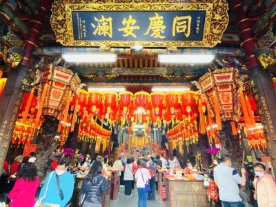 旧正月の寺廟初詣(初一、台北市士林)