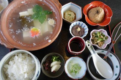20210216-1 京都 天神さんの梅の前に、とようけ茶屋の湯豆腐膳で一杯